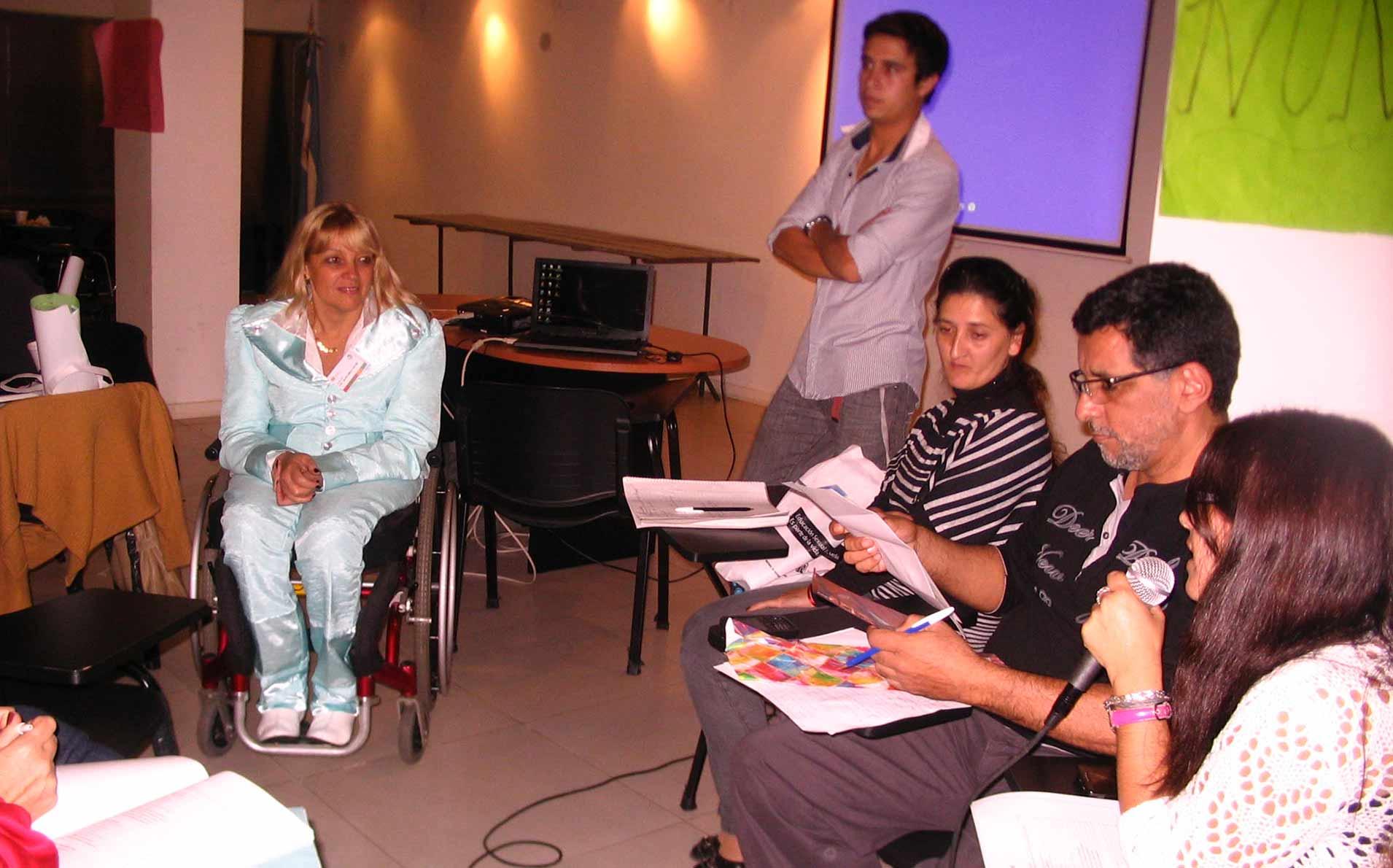"""CURSO El cambio de paradigma en discapacidad: """"del modelo médico al modelo social"""""""